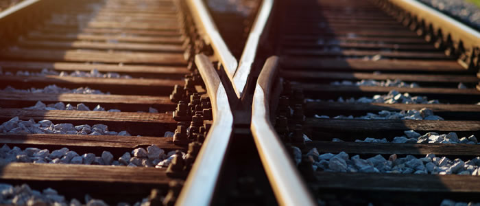splitting train tracks